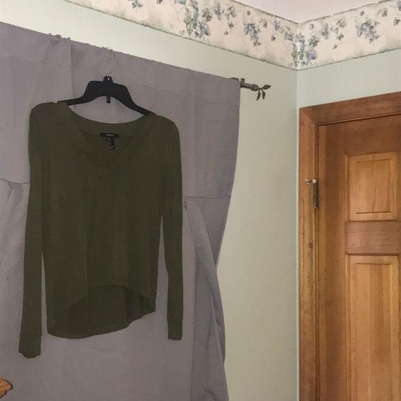 Forever 21 Tops - Green long sleeve top. High low style.